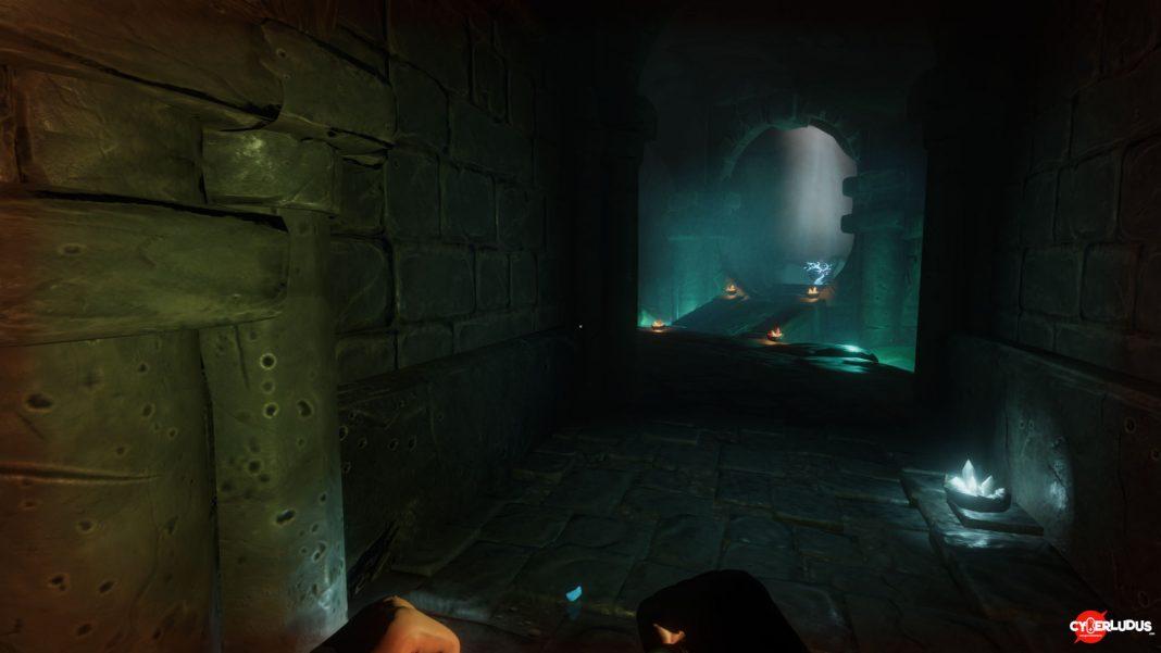 Underworld-Ascendant-arbusto-argenteo